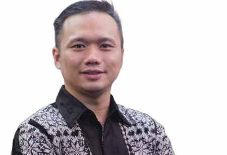 Driving the Cashless Society to Contribute to the Growth of Digital Economy in Indonesia